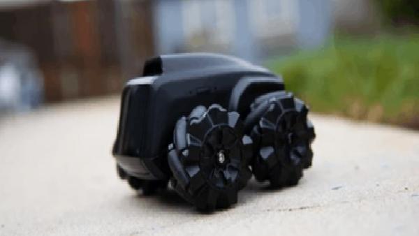 Eviniz bu mini robot devriye ile güvende